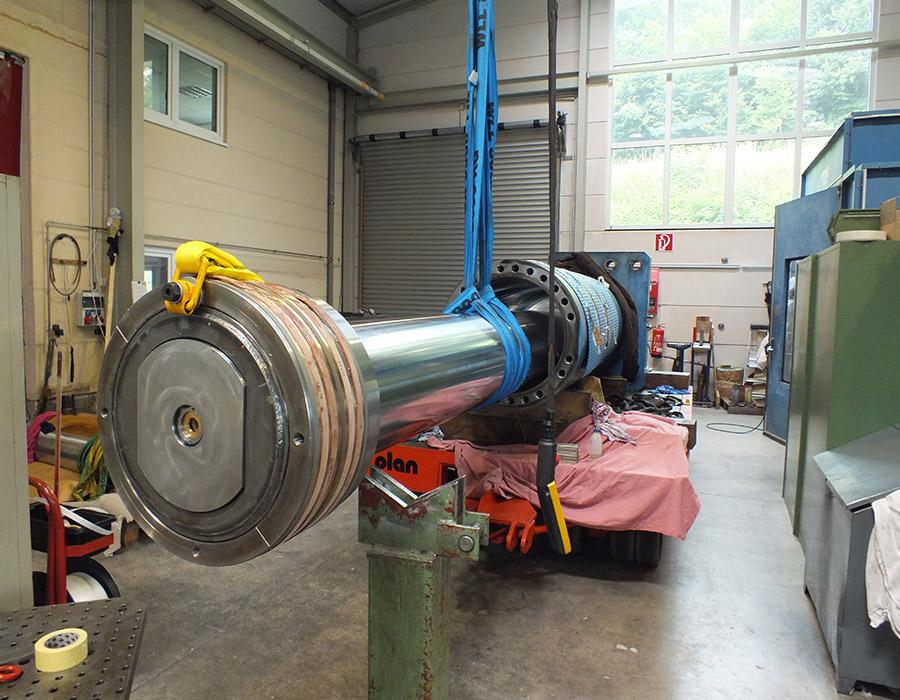 Demontage Hydraulikzylinder